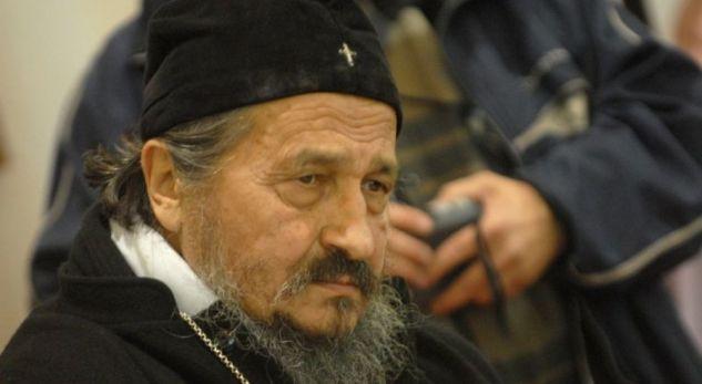 Peshkopi serb bën thirrje për të kthyer luftën Kosovë - Serbi