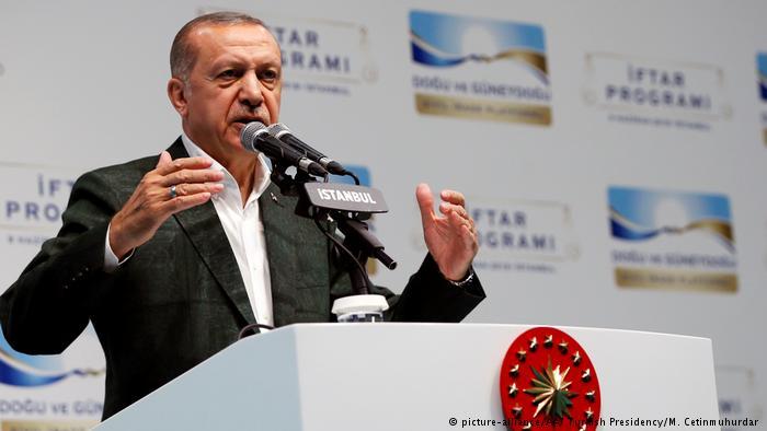 Ç'mendojnë në Turqi për presidentin Erdogan, nga dashuria te frika e madhe