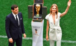 Ceremonia e hapjes, Iker Casillas prezanton Kupën e Botës (FOTO)