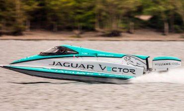 """Jaguar sjell """"bishën"""" e re të ujit"""
