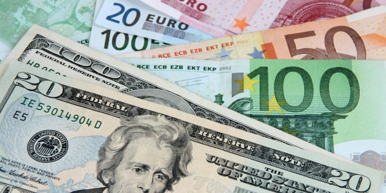 Papritur euro sërish në rënie, ja me sa blihet sot. Ç'po ndodh me dollarin