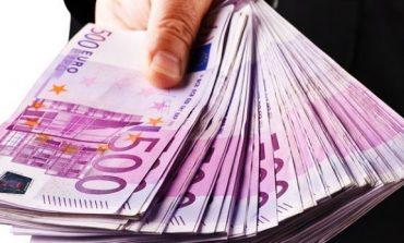 Euro në rritje drejt 128 lekëve, njerëzit po blejnë valutë/ Vështirë të parashikohet tendenca