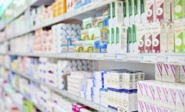 Hyn në farmaci për të blerë ilaçe, vdes në vend 86-vjeçari në Tiranë