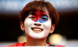 """Ekzekutimi i himnit, veprimi """" i çuditshëm"""" i futbollistëve korean"""