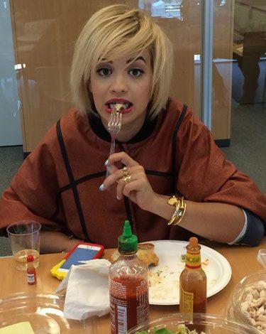 Me këtë ushqim tradicional shqiptar pritet në shtëpi Rita Ora
