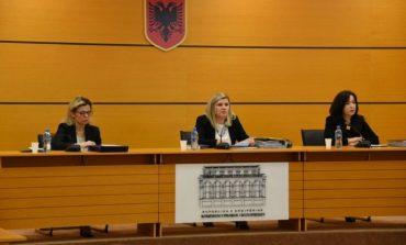 Komisioni i Pavarur i Kualifikimit SHKARKON nga detyra prokurorin Elsion Sadiku, bashkëshortja e tij...