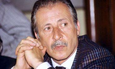 """KURAJO PËR TË QENË HERO/ Sot 26 vjet nga vdekja e gjykatësit """"burrë nderi"""", Paolo Borsellino"""