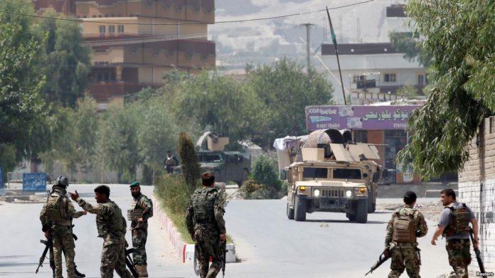 """SULMI VETËVRASËS/ 10 të vdekur në Afganistan. Forcat e sigurisë """"betejë"""" me…"""