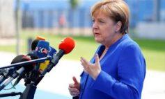 DRIDHJET E SHPESHTA/ A është Angela Merkel e prekur nga Parkinsoni?!