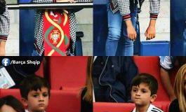 FOTO E TRISHTË/ Eleminimin e Argjentinës dhe Portugalisë nuk e perjeton vetëm Messi dhe Ronalos, por edhe...