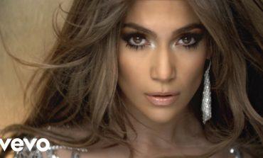Është 49 vjeçe por duket si 29, zbuloni SEKRETET e bukurisë së Jennifer Lopez