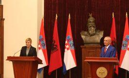 Presidentja kroate mesazh në Tiranë: Pastroni detin, mjedisi çështje kryesore për integrimin