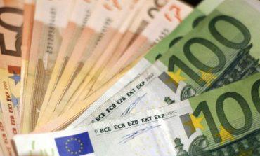 SËRISH EURO TË PADEKLARUARA/ Shqiptari kapet me 55.000 € në Kakavijë. Po ikte...