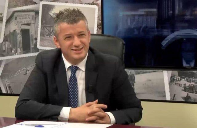 ALFRED PEZA/ Hallet e qytetarëve të Kosovës dhe halli i liderëve të saj!