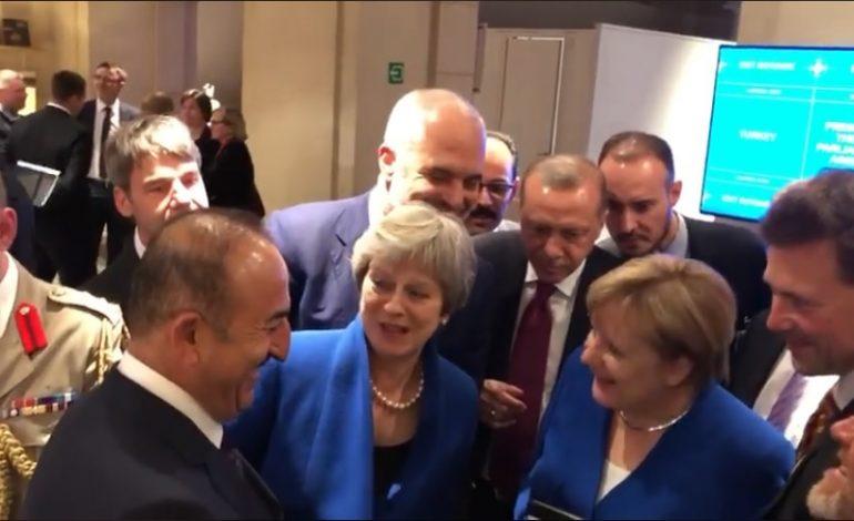 NGA SAMITI/ Rama, Erdogan, Merkel dhe May shohin LIVE ndeshjen dhe ngushëllojnë anglezët… (VIDEO)