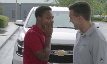 SHBA, studenti ecën 32 km për të shkuar në punë, shefi i dhuron makinën e tij