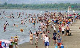 """DESTINACIONI """"DIVJAKË"""": 50 mijë pushues në DY ditë zgjedhin këtë plazh"""
