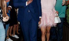 Jennifer Lopez shkëlqen me fustanin rozë krah Alex Rodriguez