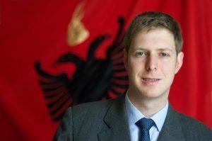 DEKLARATA E FORTË/ Princ Leka: Shqipëri e Kosovë nën një monarki