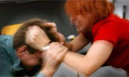 NDODH NË DURRËS/ Gruaja masakron fizikisht kunatin . Dyshohet se 45 vjeçarja...