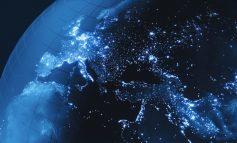 """""""LUFTA"""" NË DISTANCË/ Sjellja e """"çuditshme"""" e satelitit misterioz rus ngre alarmin në SHBA"""