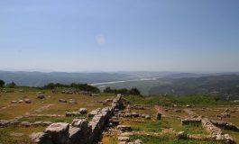 PAMJE MAHNITËSE/ BYLISI: Ballkoni panoramik ku shihet gjysma e territorit të Shqipërisë