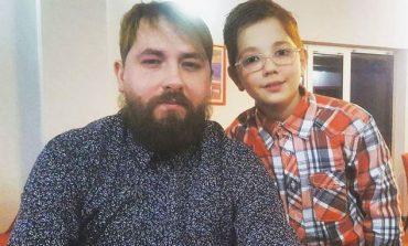Kastro Zizo flet për marrëdhënien me të birin: Është shumë delikate...(FOTO)