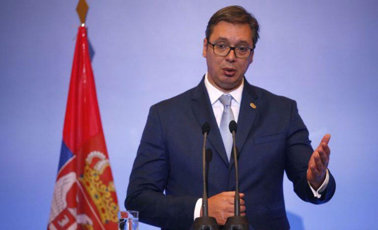 """""""KORRIGJIMI I TERRITORIT""""/ """"Reuters"""": Vuçiç pranon kompromisin me Kosovën"""