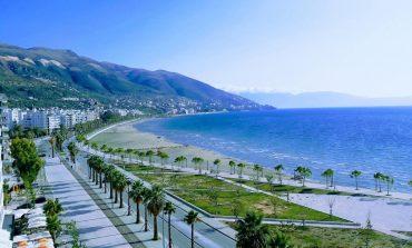 """""""MREKULLIA E VLORËS""""/ Deti dhe bukuria e tij tërheqin mijëra turistë"""