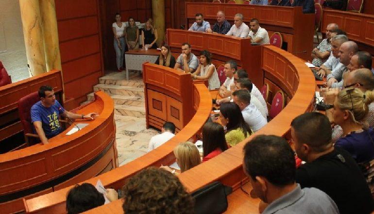 TAKIMI ME ADMINISTRATORËT/ Veliaj: Me fillimin e vitit të ri shkollor, do jenë gati edhe rrugët e Tiranës