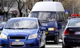 """""""ME DROGË NË MAKINË""""/ Kundërshtuan policinë, kapen tre të rinjtë në Vlorë (EMRAT)"""