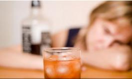 Pse vjellim pas një nate të gjatë alkoli? Me siguri nuk ua merr mendja arsyen