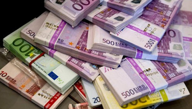 KËMBIMI VALUTOR/ Euro nuk ndal rritjen, po i afrohet 127 lekëve