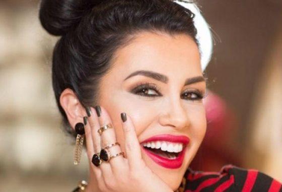"""""""I RRUAJTA ME BRISKUN E BABIT""""/ Jonida Maliqi kthehet pas në kohë, rrëfen çmenduritë e adoleshencës (VIDEO)"""