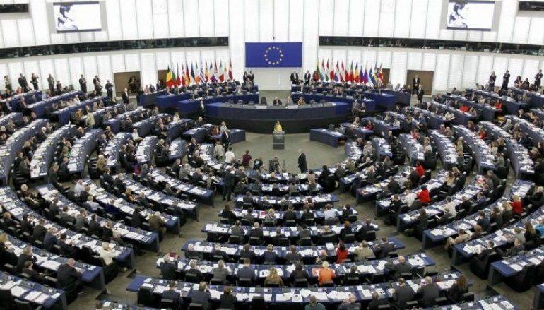 VIZAT PËR KOSOVËN/ Ja si votuan dje vendet e BE-së. Greqia nga 16 anëtarë kundër ishin…