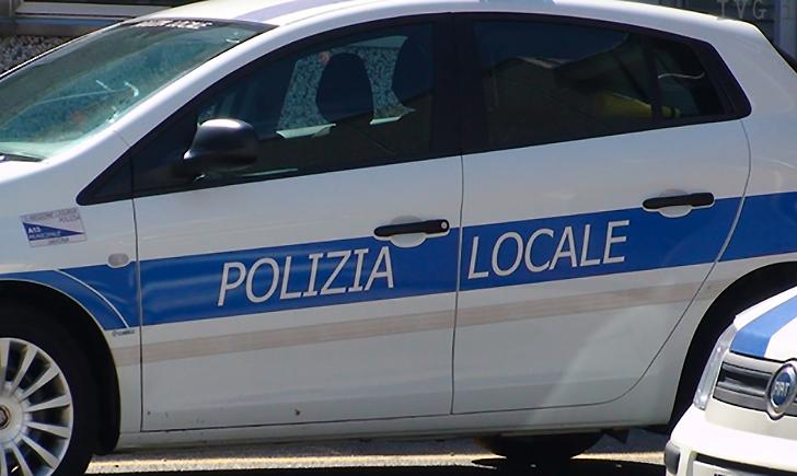 ME THIKË DHE MAKINË TË VJEDHUR/ Kapet shqiptari në Itali, pronai i saj kishte...