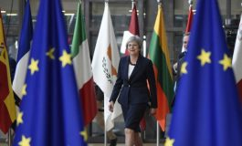 """BRITANIKËT NË PANIK/ Marshim në Londër kundër """"Brexit""""-it dhe pro BE-së"""