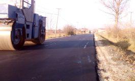 """DREJT ZGJEDHJEVE ELEKTORALE/ Plas """"asfalti i fushatës"""", Bashkia e Përmetit gati të shtrojë rrugët (FOTO)"""
