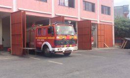 """VATRAT ME FLAKË/ Bashkia e Patosit """"e papërgatitur"""", zhvillohet tenderi për...një zjarrfikëse (FOTO)"""