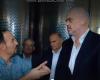 """""""NUK KA PUNË TË LEHTË, SHIF PUNËN TIME… TI ME LLOTO SMERRESH""""/ Batutat e Kryeministrit në fabrikën e vajit (VIDEO)"""