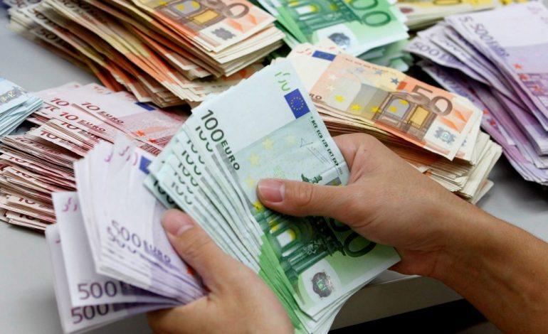 LIGJI PËR KAZINOTË/ Mbyllja e basteve, 570 euro më shumë për familje në vit