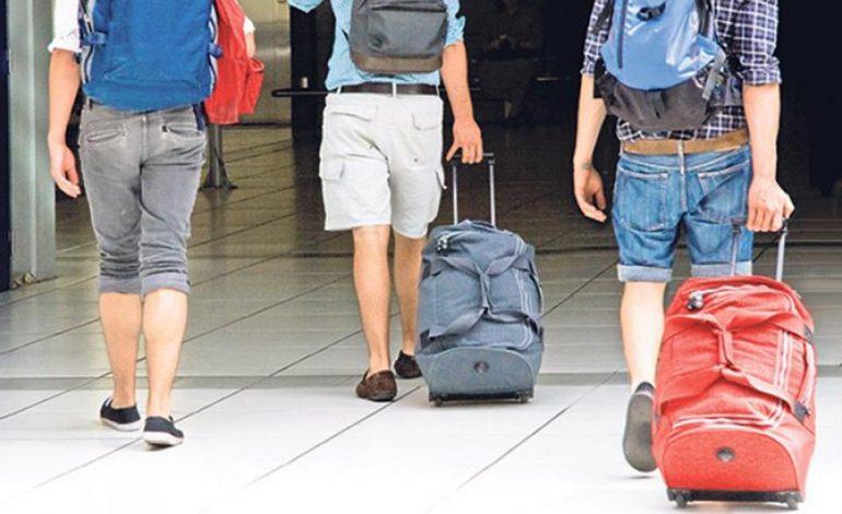 """VENDIT TONË I """"IKËN TRURI""""/ Shqipëria renditet në mesin e 15 vendeve për largimin e të arsimuarve"""