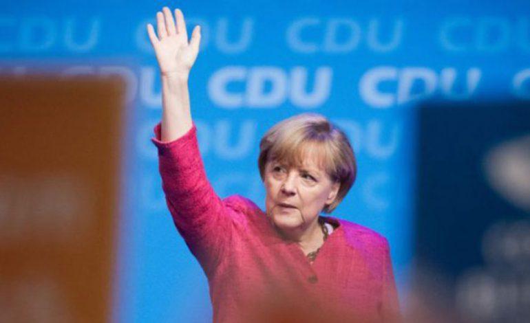 """MARRËVESHJA PËR """"BREXIT""""/ Merkel: Inkurajojmë negociatat për Brexit, por """"djalli fshihet në detaje"""""""