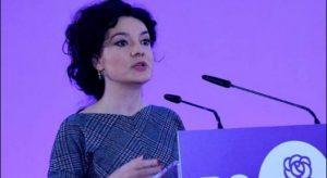 """INTERVISTA/ Spiropali: Opozita e ndikuar nga telenovelat orientale. Po baltos Shqipërinë duke inskenuar për """"Babalen"""""""