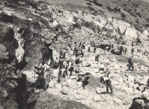 KAMPET ÇNJERËZORE TË KOMUNIZMIT/ 2 000 të burgosur ndërtuan si skllevër kanalin Peqin-Kavajë, 50 km të gjatë