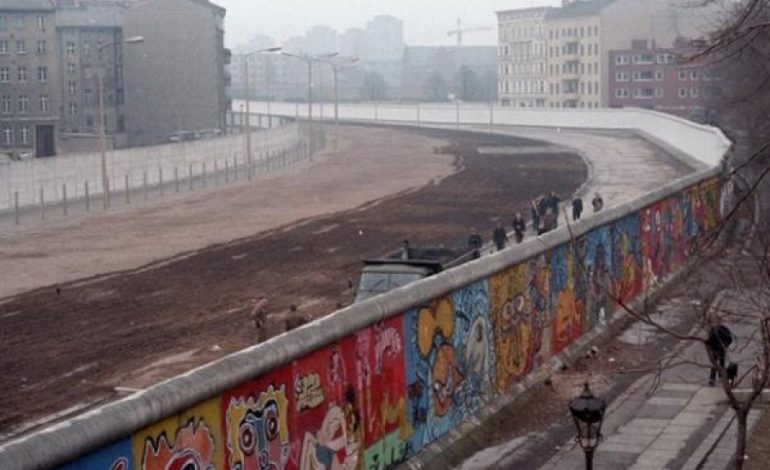 BIE MURI I BERLINIT/ Ja ngjarjet kryesore të 9 nëntorit