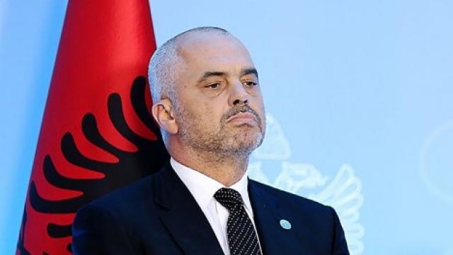 VARRIMI I KATSIFAS/ Rama: Ne s'luftojmë me provokatorë varrimesh. Përdhosën flamurin e tyre