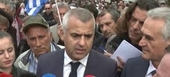 """""""KATSIFA""""/ Gazetarët detyrojnë Vangjel Dulen të flasë SHQIP: Zoti Dule shqip, jemi në tokë shqiptare!"""