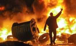 PRITET TAKIM URGJENT/ Protesta në Kiev pasi Rusia kap anijet e Ukrainës jashtë Krimesë
