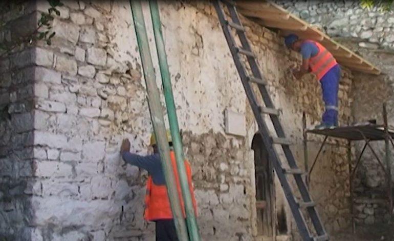 RESTAUROHET PAS 30 VITESH/ Kisha e Shën Nikollës në Berat